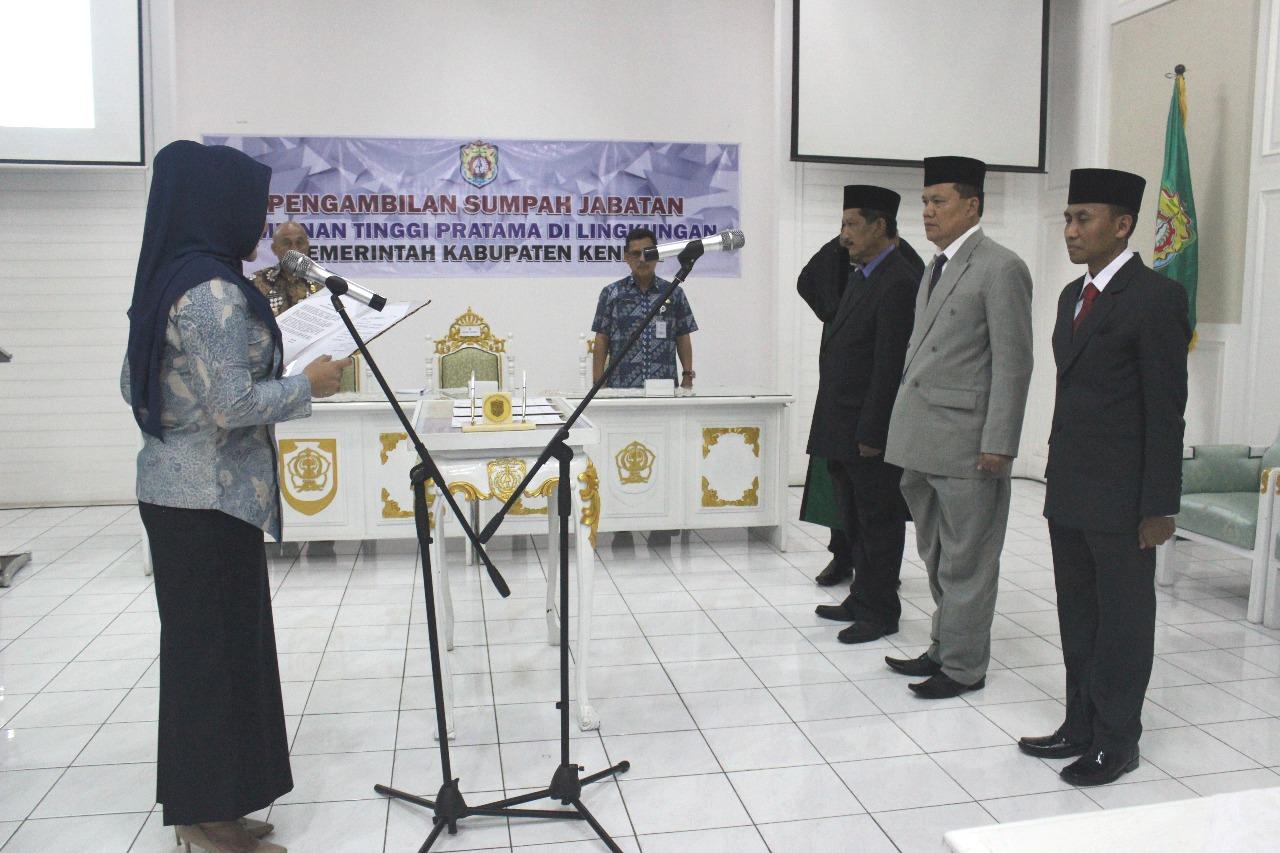 Pengambilan Sumpah Jabatan dan Pelantikan JPT Pratama di lingkungan Pemerintah Kabupaten Kendal